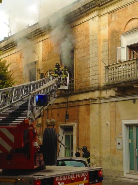 incendio-via-gattini-matera-basilicata-magazine2
