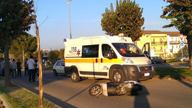 Incidente a Marconia di Pisticci. Coinvolti un'automobile e un ciclomotore
