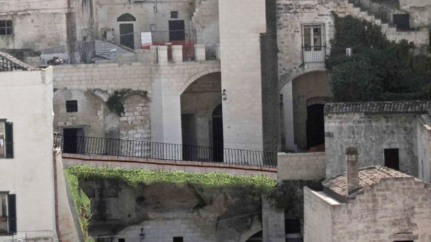 Tutto tace sul ponte di ferro in Vico Commercio (VIDEO)