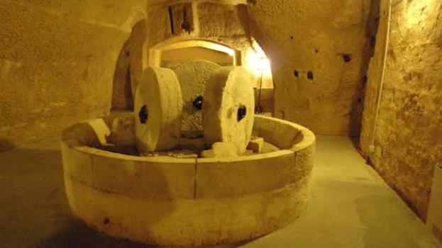 Onyx amarcord, passeggiata nei Sassi di Matera fra trappeti e degustazioni di spremute di olive