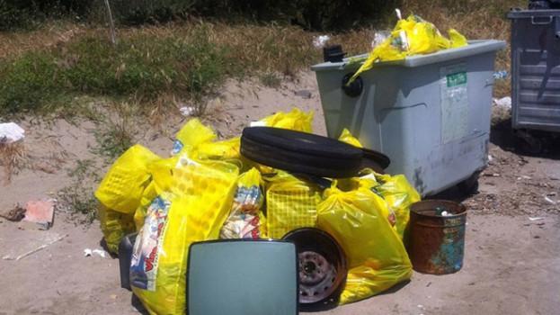 """Pesante il bilancio di """"Spiagge e fondali puliti 2014"""", l'evento promosso da Legambiente Pisticci"""