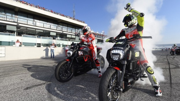 I piloti Ducati esaltano il pubblico del WDW2014. Tanti i lucani giunti oggi a Misano