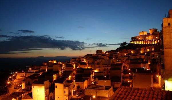 Il Rione Dirupo e l'albergo diffuso: il Comune di Pisticci incontra Nettis Resort