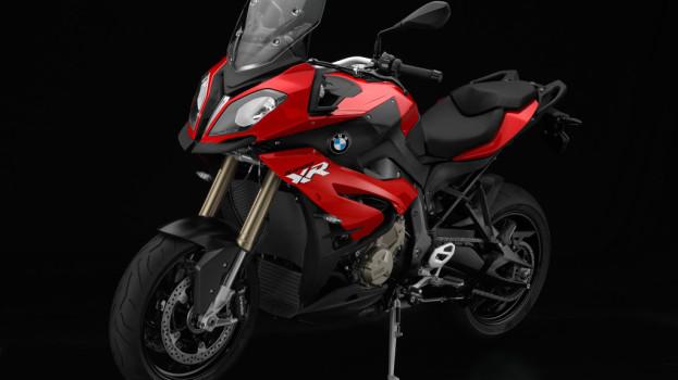 La nuova BMW S 1000 XR: nel mirino c'è la Ducati Multistrada