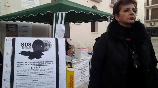 """Albina Colella al presidio: """"Fate bene a preoccuparvi"""". Questa sera Esquelito in acustico"""