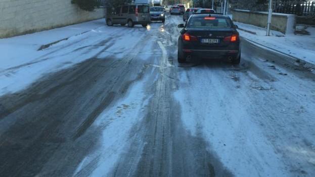 Neve a Matera. Disagi a macchia di leopardo e qualche tamponamento.