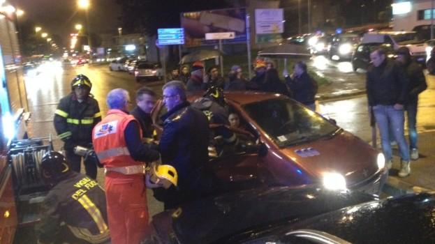 Tre feriti in uno scontro in via Dante a Matera