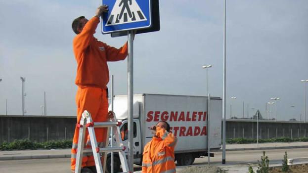 Cambia la segnaletica a Bernalda per questioni di sicurezza e viabilità