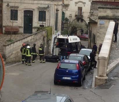 Allarme bomba in via Casalnuovo a Matera