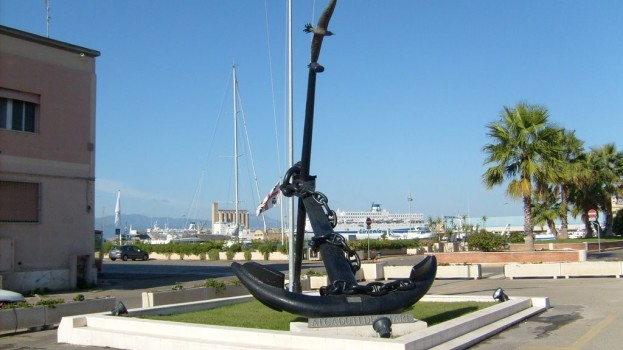 L'ANMI inaugura a Metaponto il Monumento per i Caduti del Mare