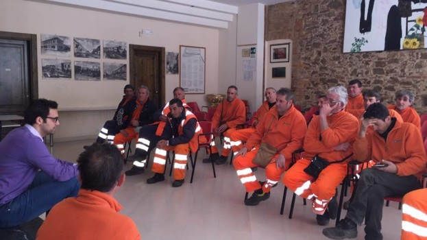 Operatori ecologici senza stipendio a Bernalda