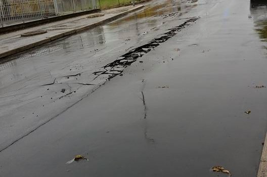 Via San Pardo chiusa per un crollo della sede stradale