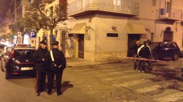 Esplode una bomba carta davanti ad una ex gioielleria in via Nazionale