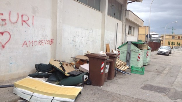 L'assessore Zoccali si dimette. Lascia in eredità una città sporca ed un degrado ambientale diffuso.