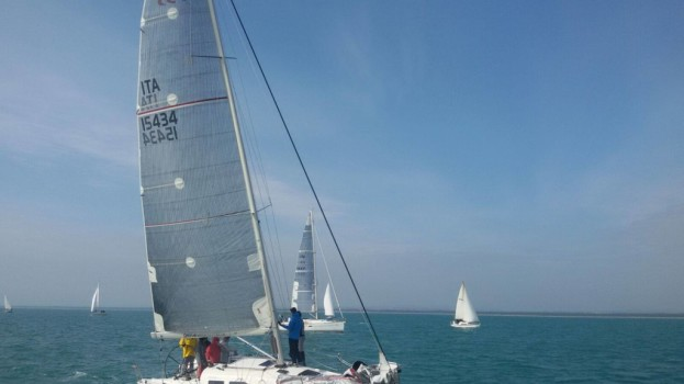 Karma vince la quinta regata del campionato invernale di vela del Mar Jonio