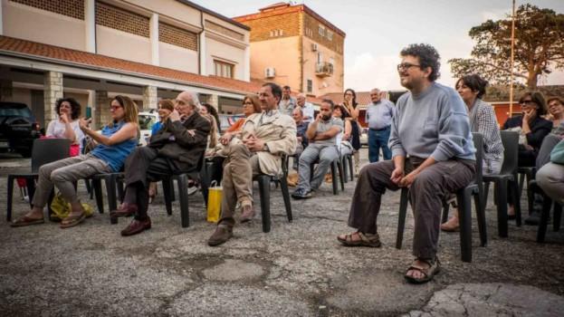 Amabili Confini: notevole partecipazione agli appuntamenti con lo scrittore Gianni Biondillo