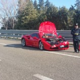 Una supercar Ferrari tampona una Hyundai sulla statale 106 in provincia di Matera